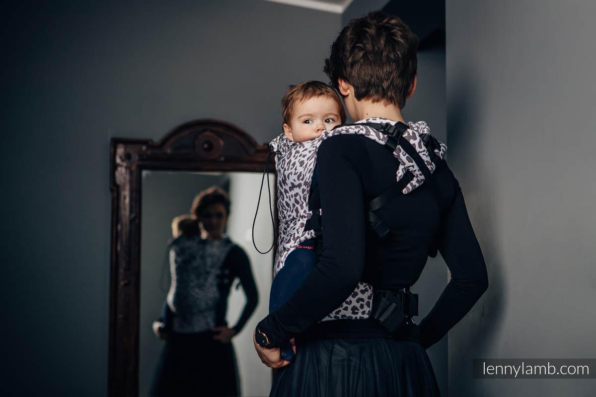 Porte-bébé ergonomique, taille bébé, jacquard 100 % coton, conversion d'écharpe de CHEETAH MARRON FONCÉ & BLANC (grade B) #babywearing