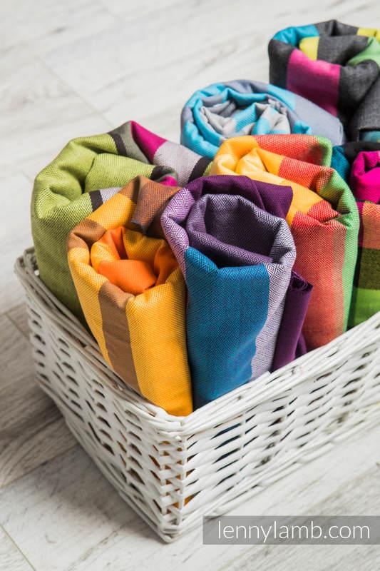 Wielokolorowe skrawki materiałów chustowych (tkaniny skośno-krzyżowe) #babywearing