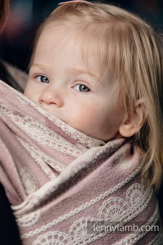Żakardowa chusta do noszenia dzieci, 60% Bawełna 28% Len 12% Jedwab Tussah - PUDROWA KORONKA  - rozmiar M (drugi gatunek) #babywearing