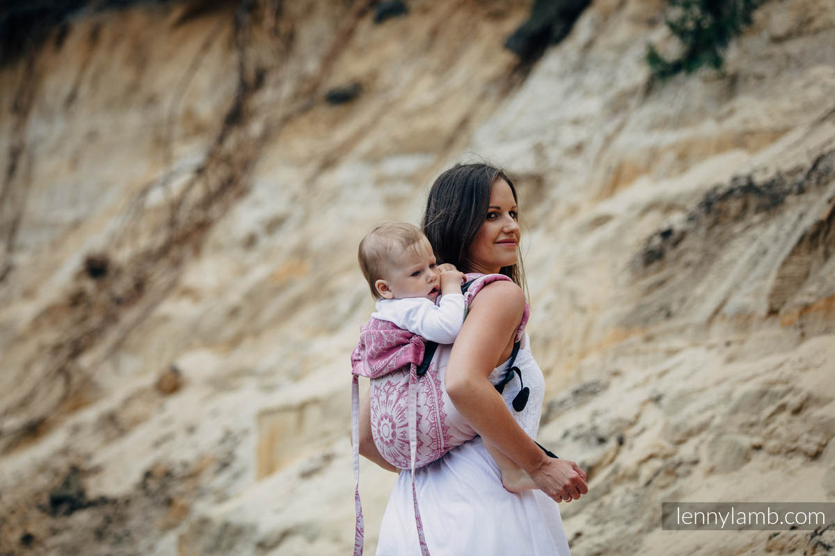 Lenny Buckle Onbuhimo baby carrier, standard size, jacquard weave (100% cotton) - SANDY SHELLS  #babywearing