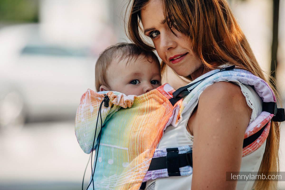 Nosidełko Ergonomiczne z tkaniny żakardowej 100% bawełna , Baby Size, SYMFONIA TĘCZOWA LIGHT - Druga Generacja #babywearing