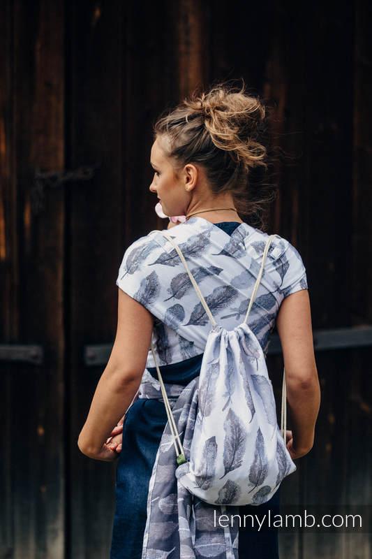 Mochila portaobjetos hecha de tejido de fular (100% algodón) - PAINTED FEATHERS BLANCO & AZUL MARINO - talla estándar 32cmx43cm #babywearing