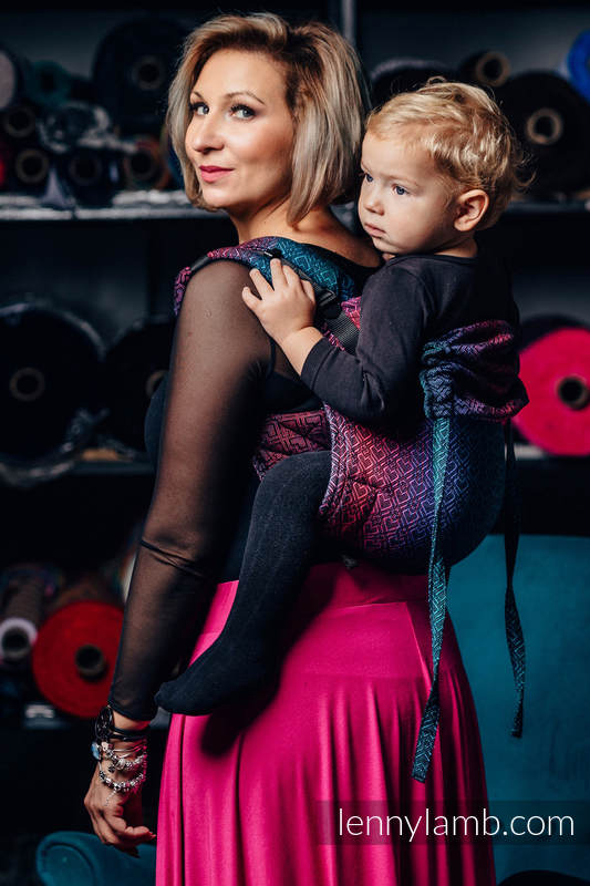 Lenny Buckle Onbuhimo baby carrier, Toddler size, jacquard weave (60% cotton, 28% Merino wool, 8% silk, 4% cashmere) - BIG LOVE - BLACK OPAL #babywearing