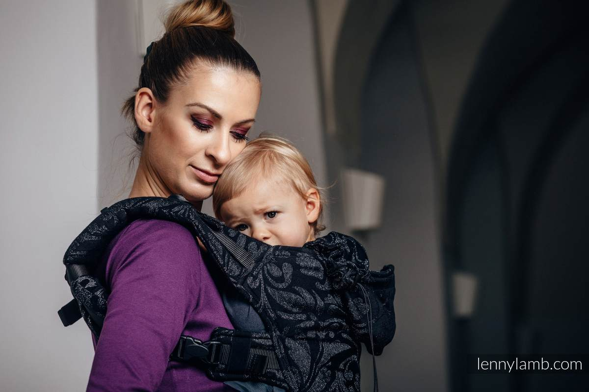 Ergonomic Carrier, Baby Size, jacquard weave, 96% cotton, 4% metallised yarn - TWISTED LEAVES METAL & DUST - Second Generation #babywearing