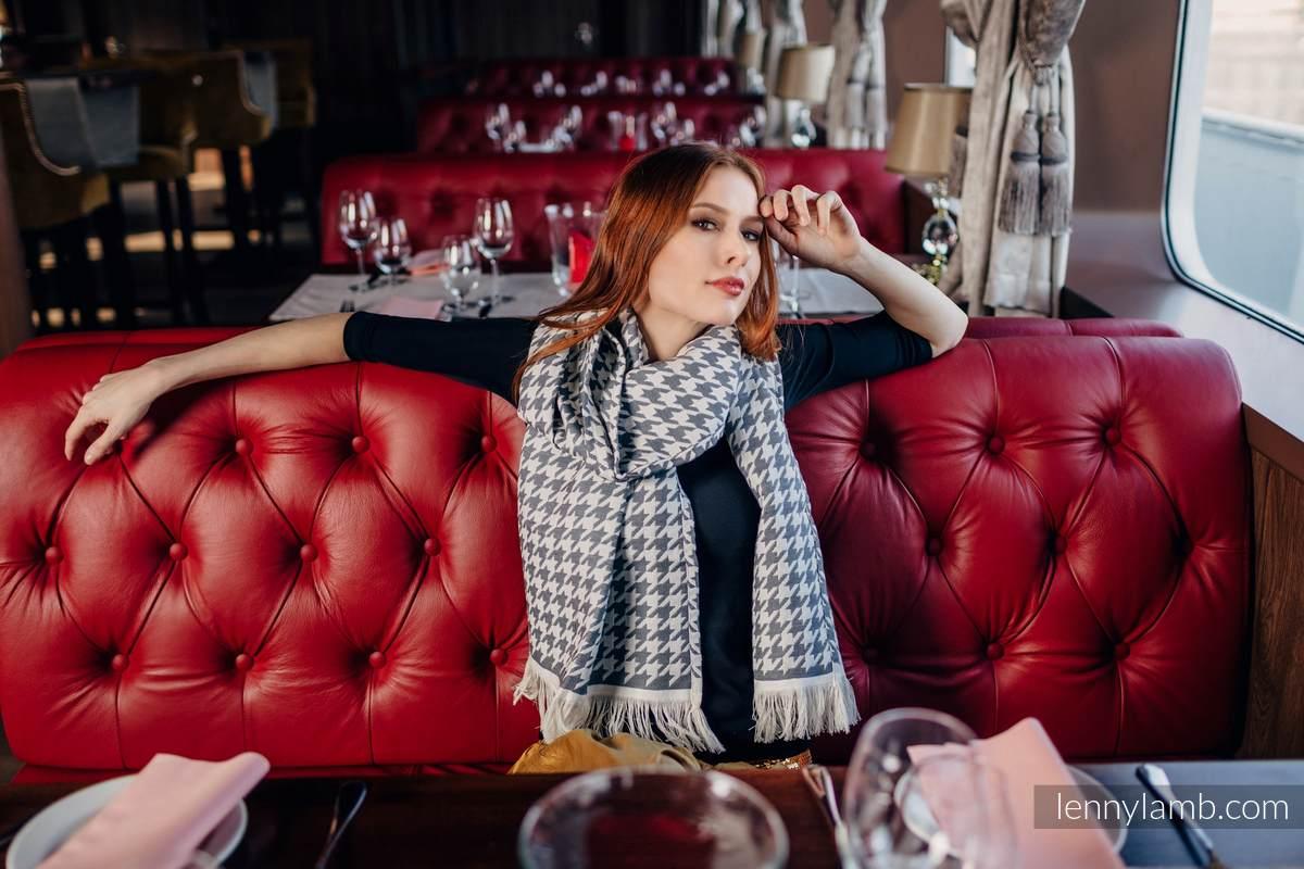 LennyScarf - 46% cotton, 26 % merino wool, 5 % cashmere, 23 % bamboo viscose - Pepitka Cream & Grey #babywearing