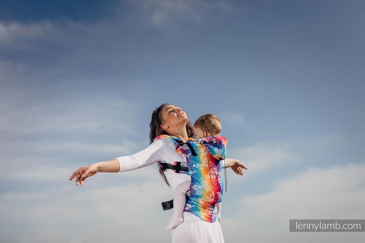 Nosidełko Ergonomiczne z tkaniny żakardowej 100% bawełna , Toddler Size, TĘCZOWY MOTYL LIGHT - Druga Generacja #babywearing