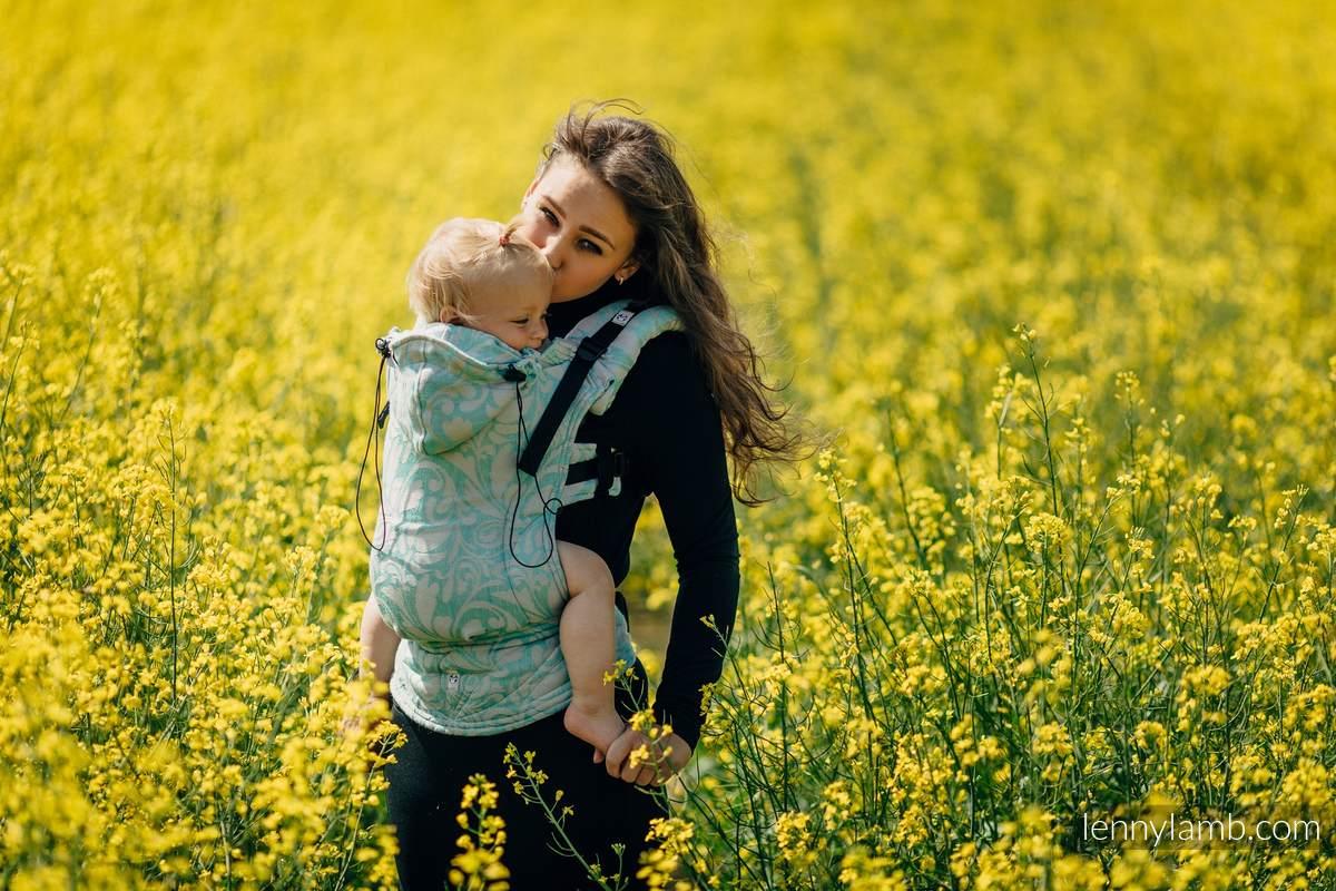 Nosidełko Ergonomiczne z tkaniny żakardowej, Baby Size - (76%bawełna, 12%len, 7%jedwab, 5% baby alpaca) - ZAKRĘCONE LIŚCIE POWIEW LATA - Druga Generacja #babywearing