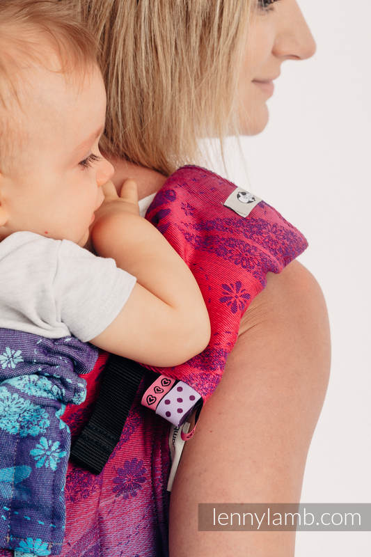 Drool Pads & Reach Straps Set, (60% cotton, 40% polyester) - DRAGONFLY- FAREWELL TO THE SUN #babywearing