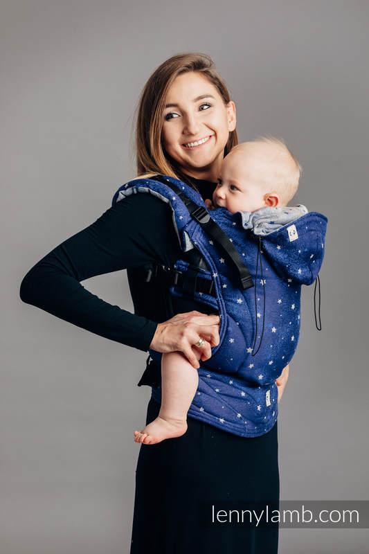 Nosidełko Ergonomiczne z tkaniny żakardowej 96% bawełna, 4% przędza metalizowana, Baby Size, MIGOCZĄCE GWIAZDY - Druga Generacja #babywearing