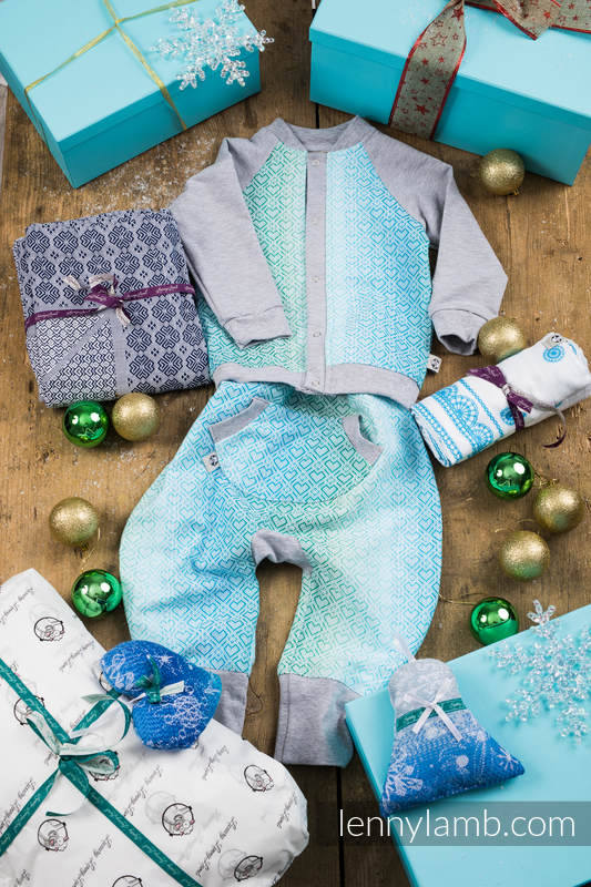 Christmas Gift Set for a Little Boy (LennyBomber 100% cotton, LennyBaggy 100% cotton, Swaddle Wrap 100% cotton, Woven Blanket 100% cotton. Christmas Ornament 100% cotton) #babywearing