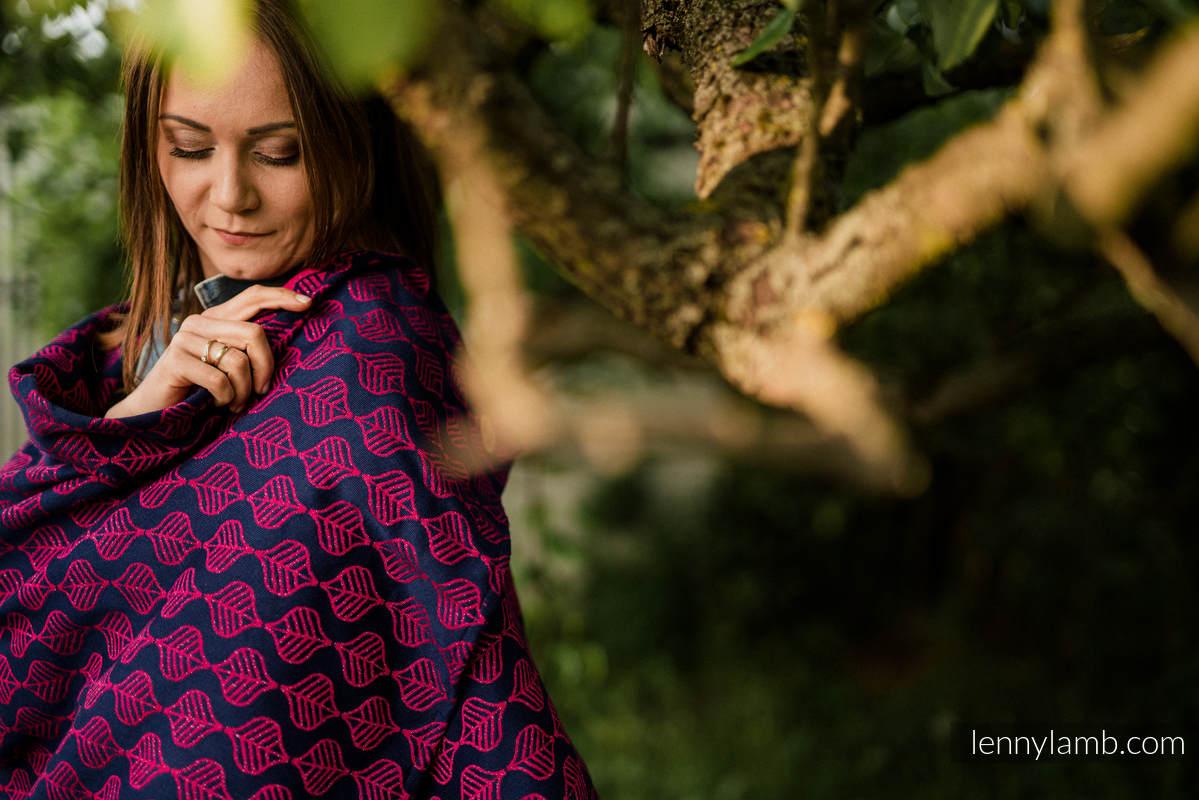 Shawl made of wrap fabric (60% cotton, 36% merino wool, 4% metallised yarn) - AMARYLLIS PETALS #babywearing