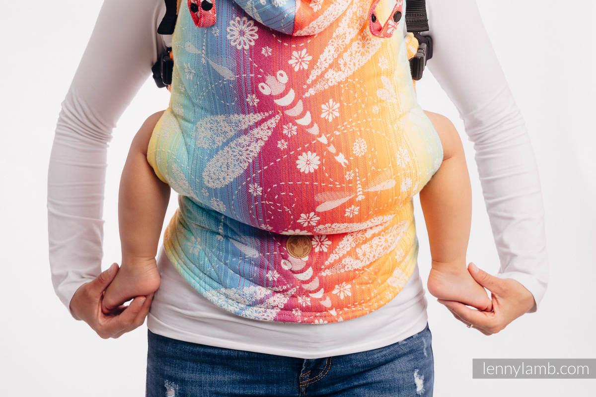 LennyGo Ergonomische Tragehilfe, Größe Baby, Jacquardwebung, 100% Baumwolle - DRAGONFLY RAINBOW #babywearing