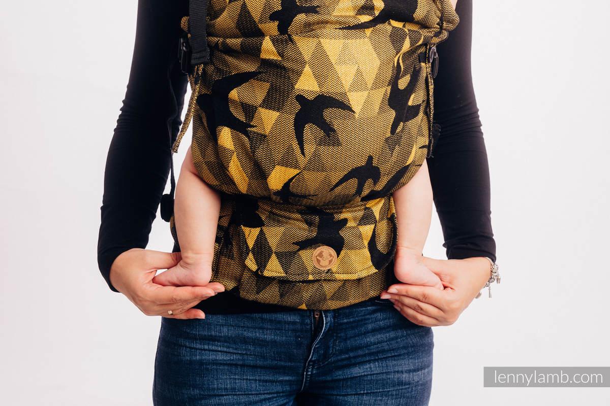 LennyUpGrade Carrier, Standard Size, jacquard weave 96% cotton, 4% metallised yarn -SWALLOWS BLACK GOLD #babywearing