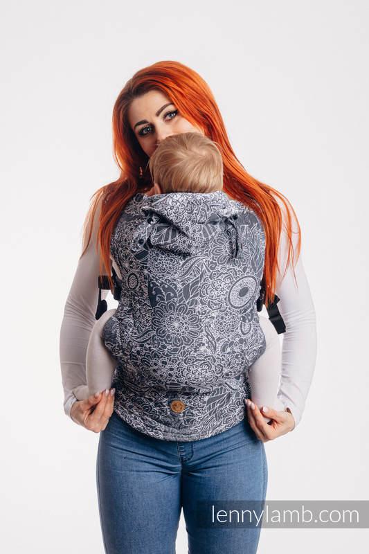 Nosidełko Ergonomiczne LennyGo z tkaniny żakardowej 100% bawełna , rozmiar Baby - DZIKIE WINO SZARY Z BIAŁYM #babywearing