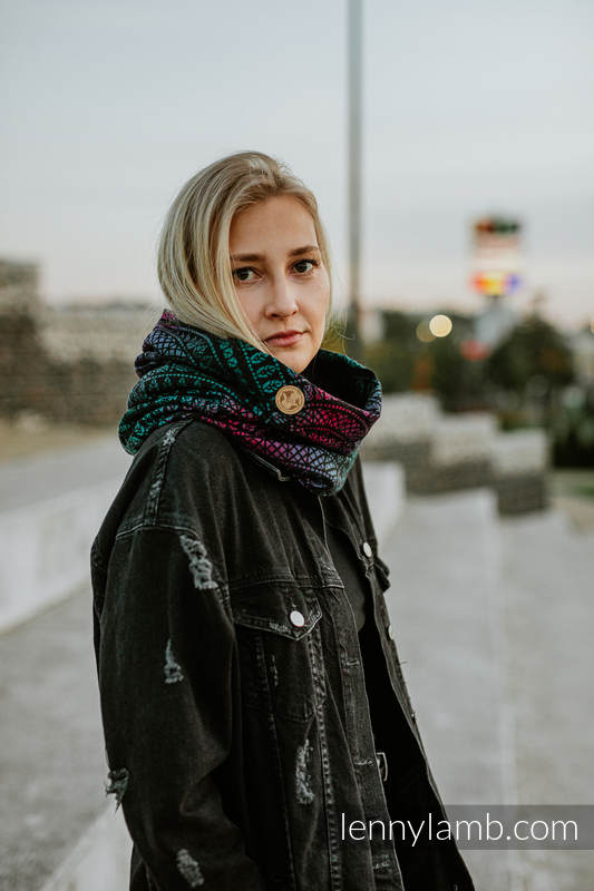 Snood Scarf (Outer fabric - 60% cotton, 28% merino wool, 8% silk, 4% cashmere; Lining - 100% cotton) - PEACOCK'S TAIL - BLACK OPAL & BLACK #babywearing