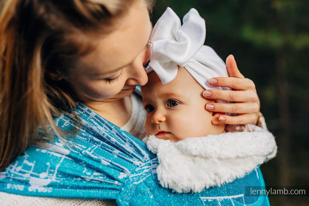 Porte-bébé LennyHybrid Half Buclke, taille standard, jacquard, (51% Coton, 30% Laine Mérinos, 10% Soie, 5% Cachemire, 4% Fil Métallisé) - SYMPHONY  - ICY  #babywearing