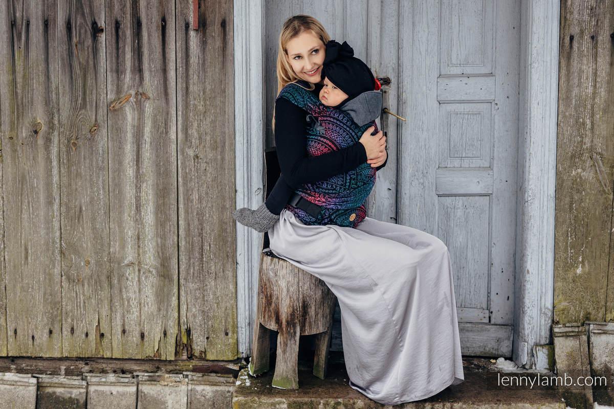 Nosidełko LennyHybrid Half Buckle, splot żakardowy, 60% bawełna, 28% wełna merino, 8% jedwab, 4% kaszmir , rozmiar standard - PEACOCK'S TAIL - BLACK OPAL #babywearing