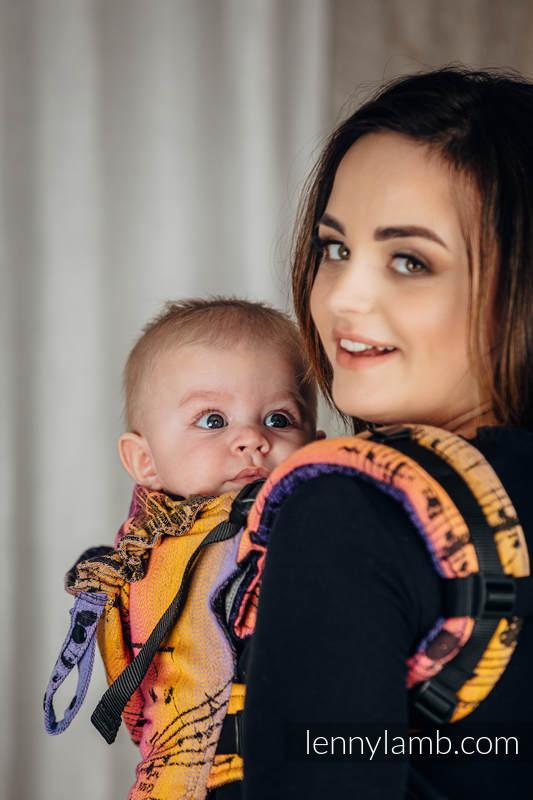 Nosidełko Ergonomiczne LennyGo z tkaniny żakardowej 100% bawełna , Baby Size - SYMFONIA - FRIENDS  #babywearing
