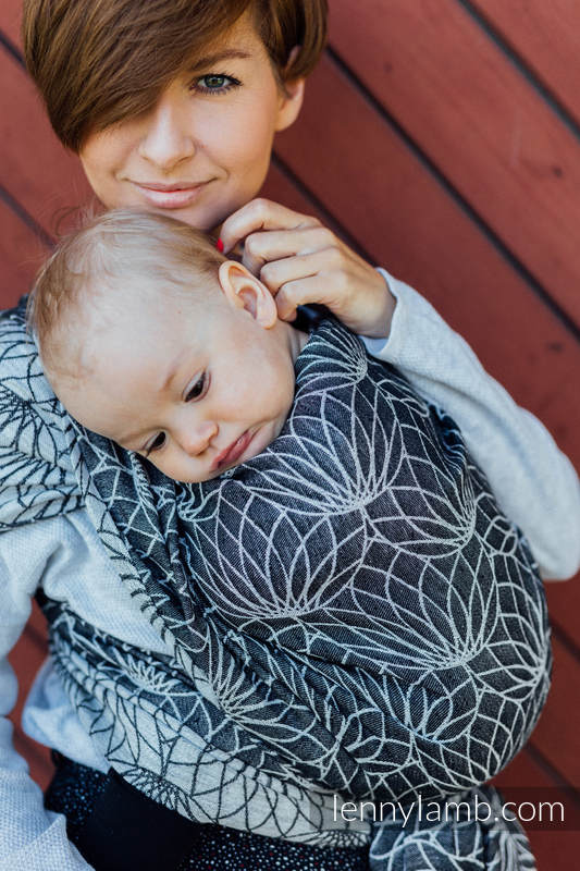 Baby Wrap, Jacquard Weave (100% linen) - LOTUS - BLACK - size XS #babywearing