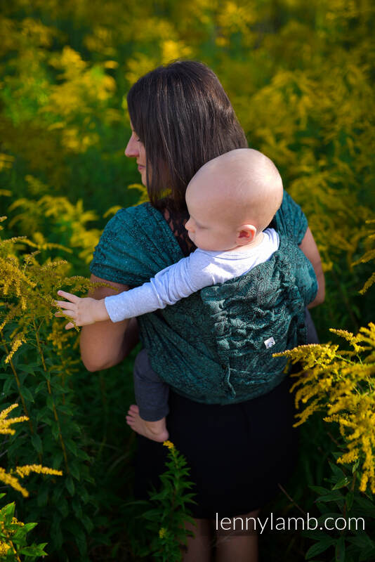 LennyHybrid Half Buckle Carrier, Standard Size, jacquard weave 51% cotton 49% silk - WILD VINE - IVY #babywearing
