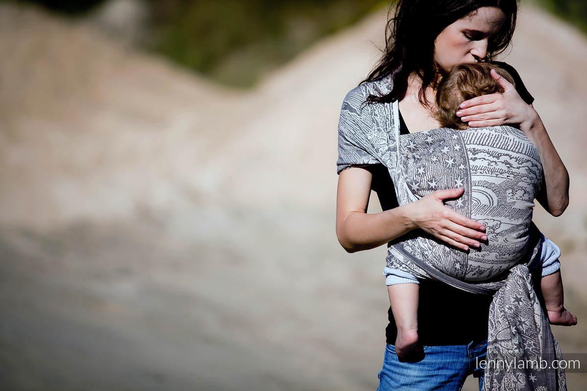 Żakardowa chusta do noszenia dzieci, bawełna - Na Krańcu Świata Czarny z Kremem - rozmiar S #babywearing