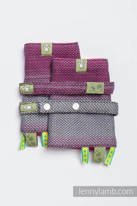 Drool Pads & Reach Straps Set, (100% cotton) - LITTLE HERRINGBONE INSPIRATION