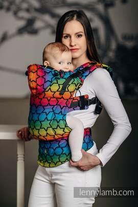 Nosidełko Ergonomiczne z tkaniny żakardowej 100% bawełna , Baby Size, TĘCZOWE GWIAZDKI DARK - Druga Generacja